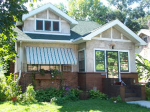 Residential roller awning in St. Paul