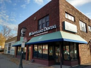 Groveland Dental Entrance Before Vestibule